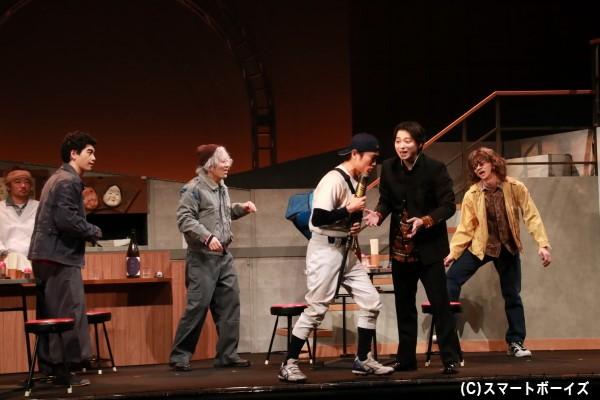佐奈さんが中心メンバーとして登場する舞台オリジナルストーリー。懐かしいワードが続出!?
