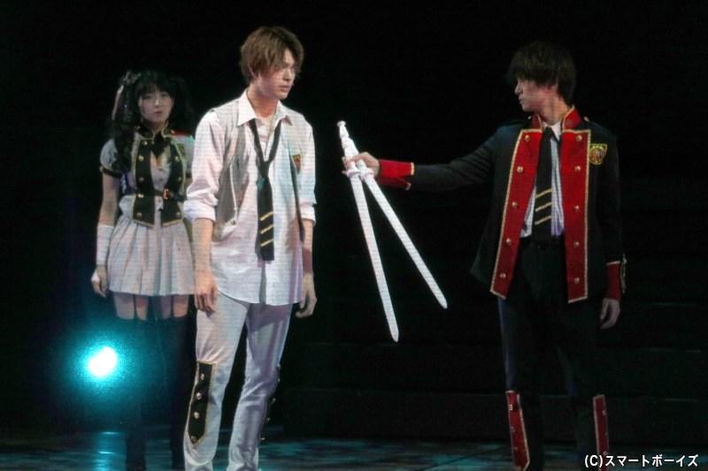 カンヌ(磯原杏華さん)の手助けによって、アイコとルカは再び立ち上がることに