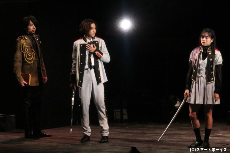 ヴィヴィアン(伊藤萌々香さん)は、やまだ(設楽銀河さん)らと同じくナンバーズの制服姿に……!?