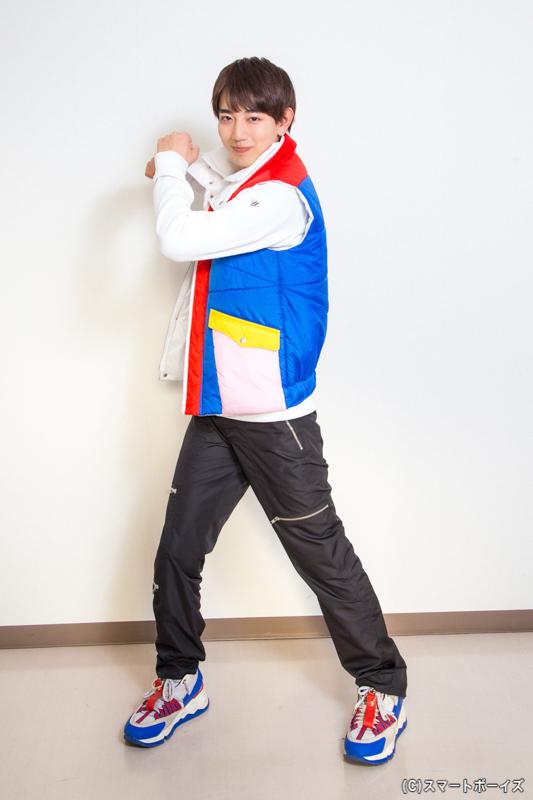 駒木根さん演じる五色田介人は、なんでもかんでも「世界初!」を目指す、スーパーポジティブ青年