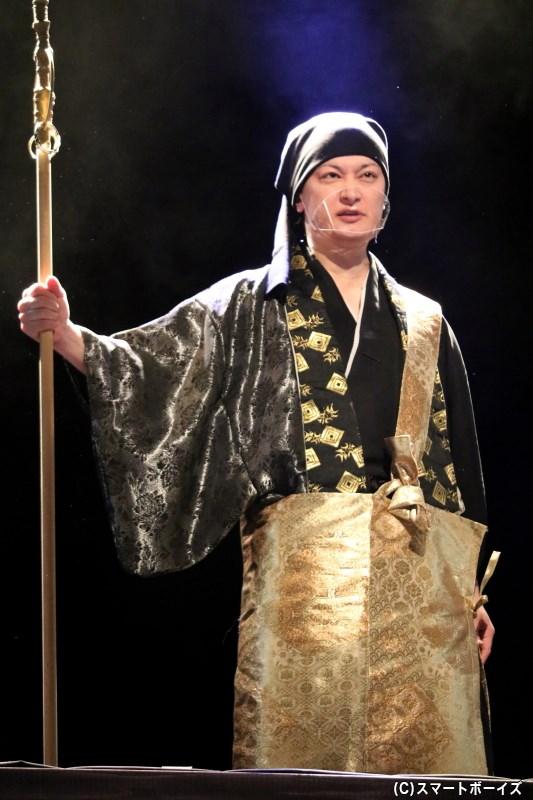 一向宗を率いる僧、顕如役の中村龍介さん