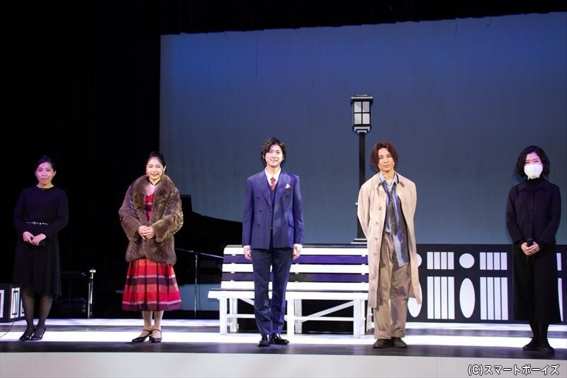 (左より)音楽監督・宮川知子さん、井上希美さん、山本一慶さん、橋本真一さん、演出・宮川安利さん