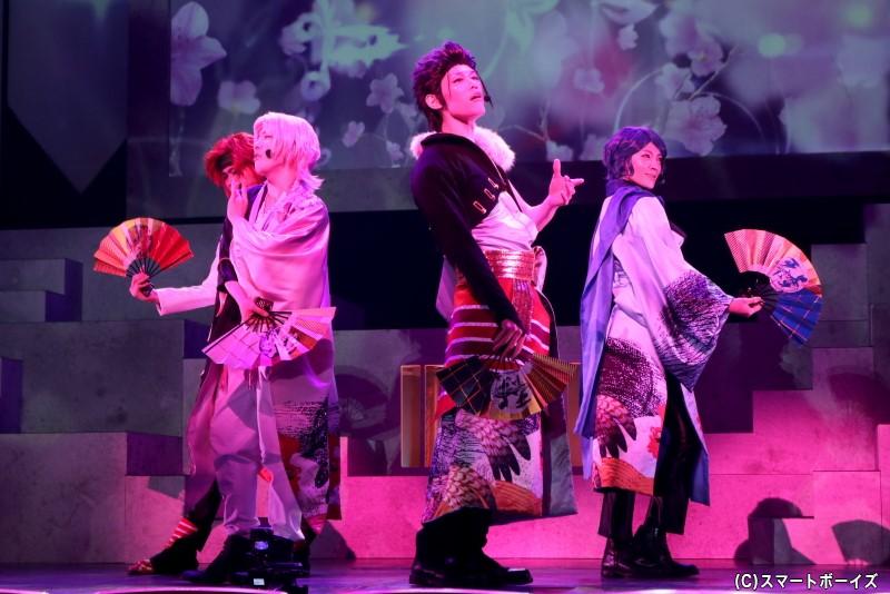 (左から)天上天下・斑尾 巽役の吉野 格さん、朴木十夜役の助川真蔵さん、竜胆 椿役の新井 將さん、杜若 葵役の松本ひなたさん