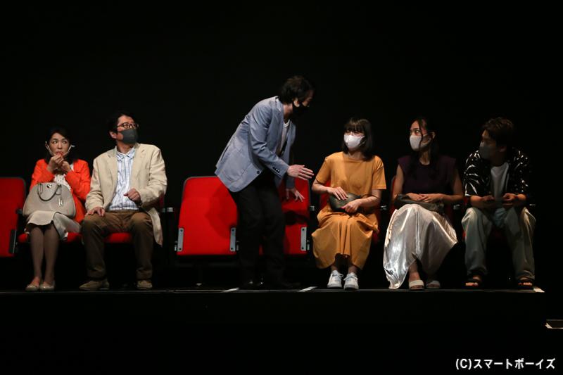 観劇者-1
