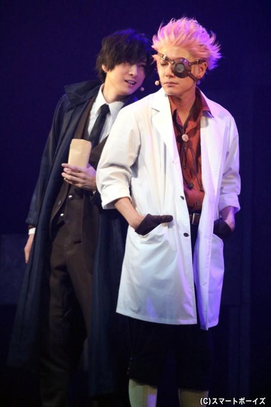 (左から)ナンバ役の山本一慶さん、タケウチ役の平野 良さん