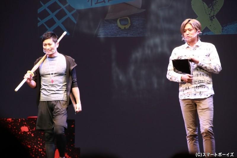 MCの松田さん&井上さんは先生姿で登場!