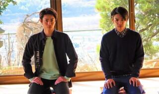 秋沢健太朗さん(右)と木村達成さん