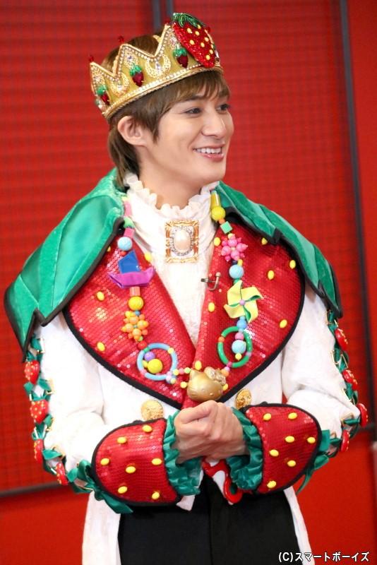 青年/いちごの王さま役の高崎翔太さん
