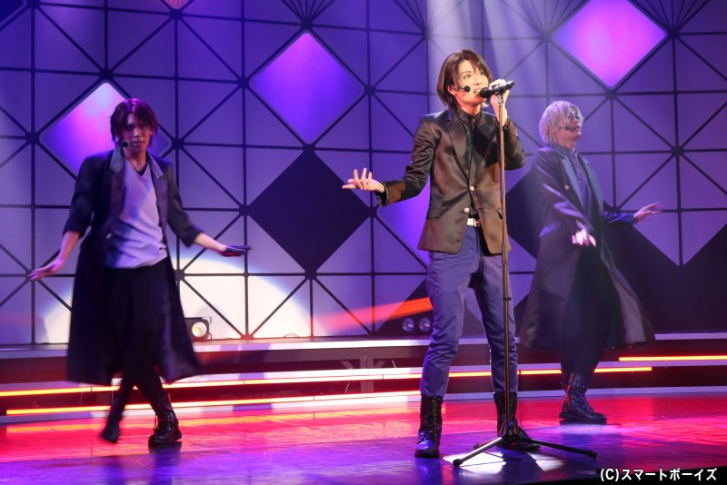 ダンスライブ【A】のセットリストでは、孝明・凰香・二葉がソロ曲を披露します