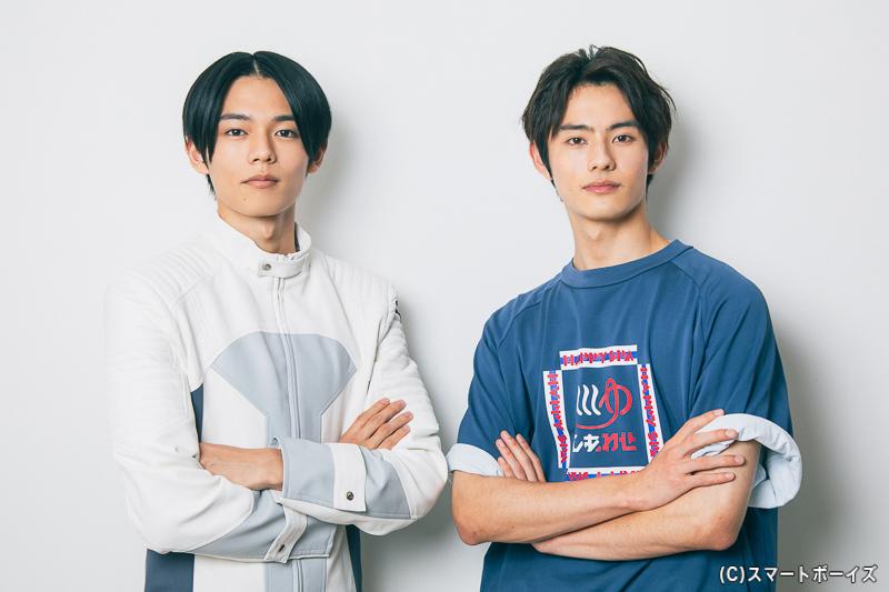 (右)仮面ライダーリバイ/五十嵐一輝役の前田拳太郎さん (左)五十嵐大二役の日向亘さん