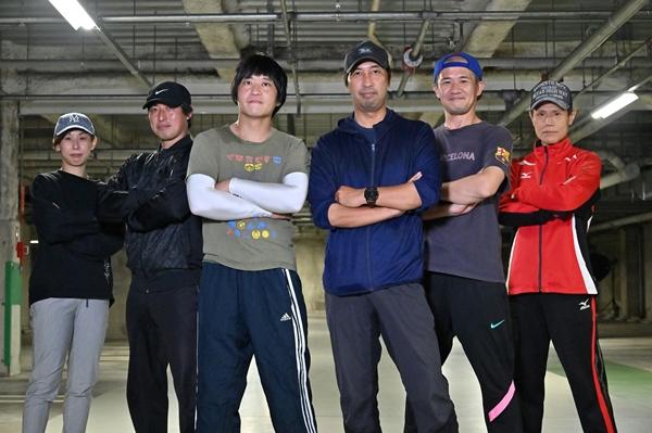 ゴーカイジャースーツアクターのオリジナルメンバー (左より)野川瑞穂さん、竹内康博さん、佐藤太輔さん、福沢博文さん、押川善文さん、蜂須賀祐一さん
